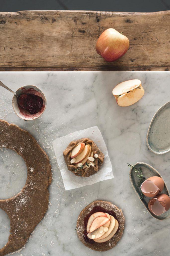 wholegrain apple mini tarts with olive oil