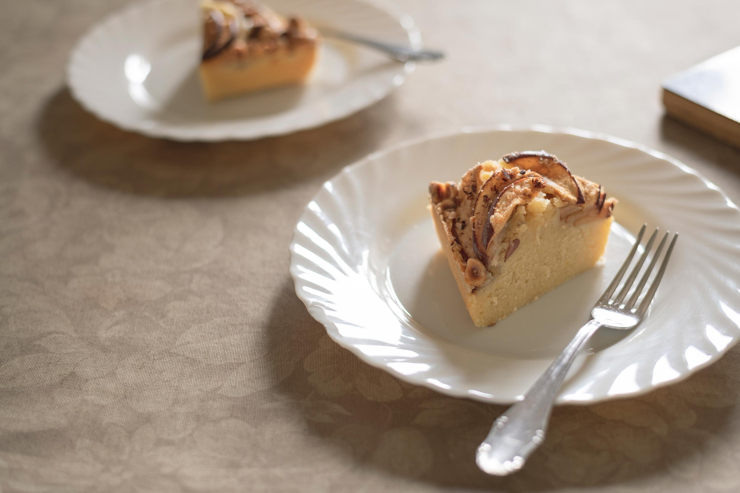 apple cake with hazelnuts