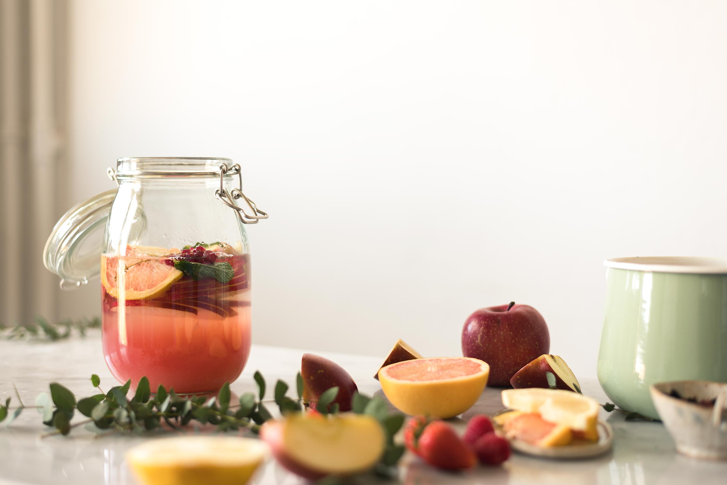 fruity apple iced tea in the making